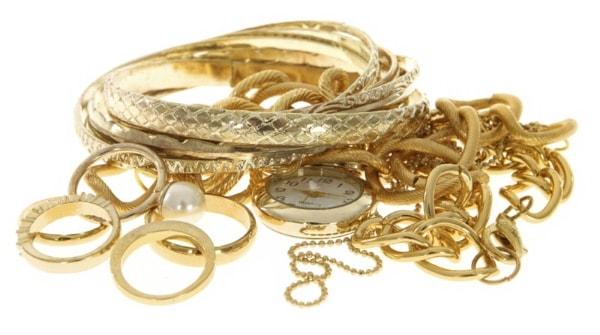 Compro oro en Vinaros. En esta foto pueden ver ejemplos de joyas que compramos.